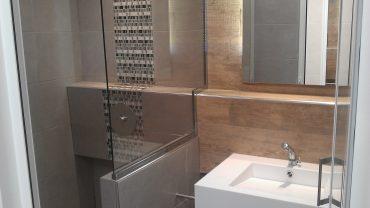 Douches, lavabos de Salles de bains